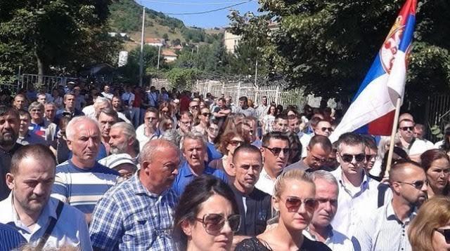 Serbs of the north protest against Kosovo's accession in UNESCO