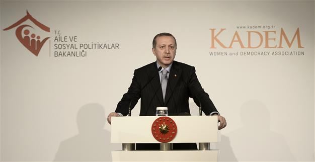 """President of Turkey accuses the US for aiding the Kurds """"terrorists"""""""