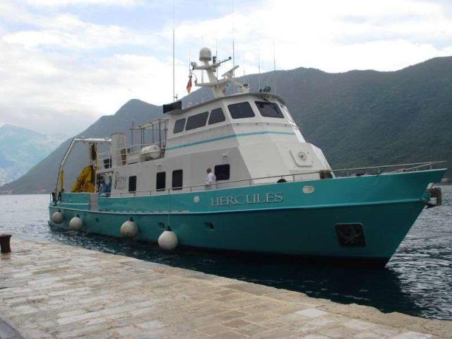 """Hercules"" arrives in the Albanian sea coast"