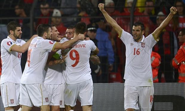 Footballers united Serbia, Vucic says