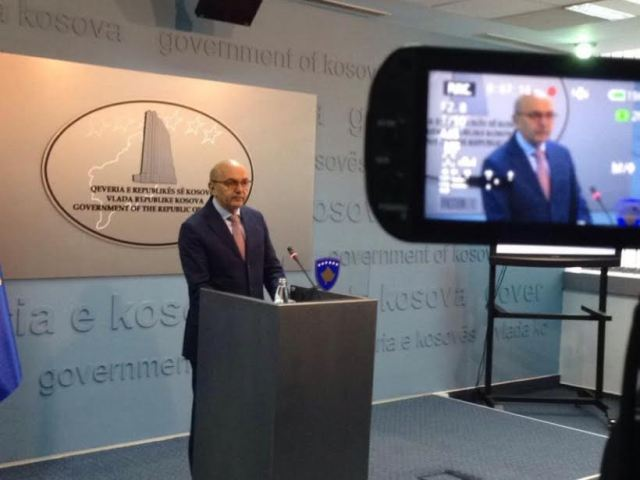 PM Mustafa invites the opposition to dialogue about the political crisis