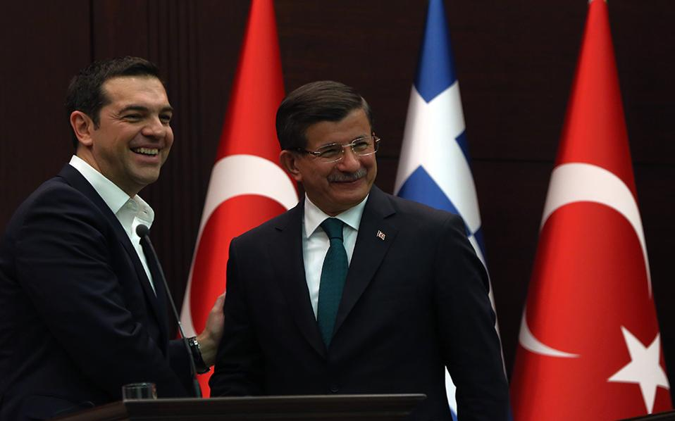 Tsipras-Davutoglu: Our countries we will not shoulder the refugee crisis