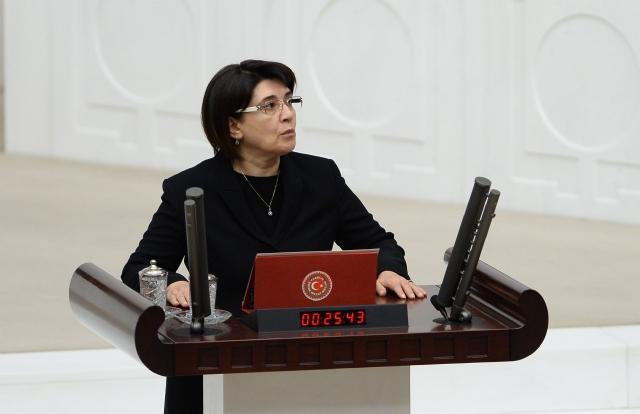 Leyla Zana spoke in the Kurdish language during the swearing in of the Turkish House