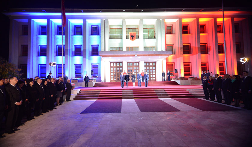Terror in Paris, Albania observers a day of mourning today