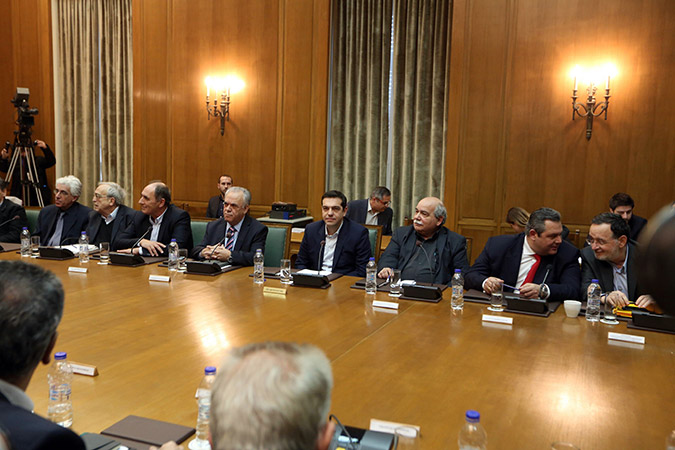 PM Tsipras urges ministers to wrap up bailout review by Monday