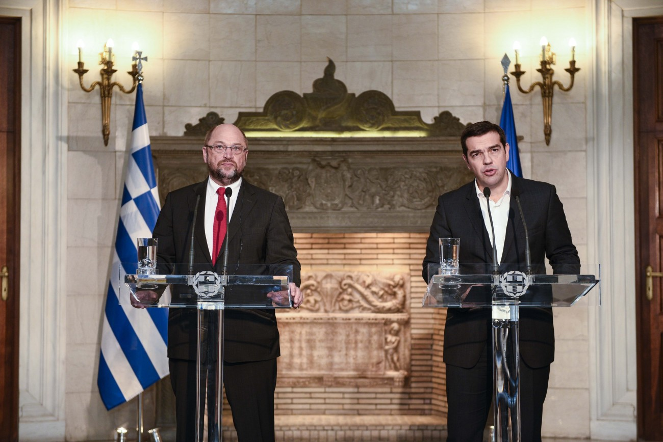 Schulz in Greece in search of refugee crisis solution