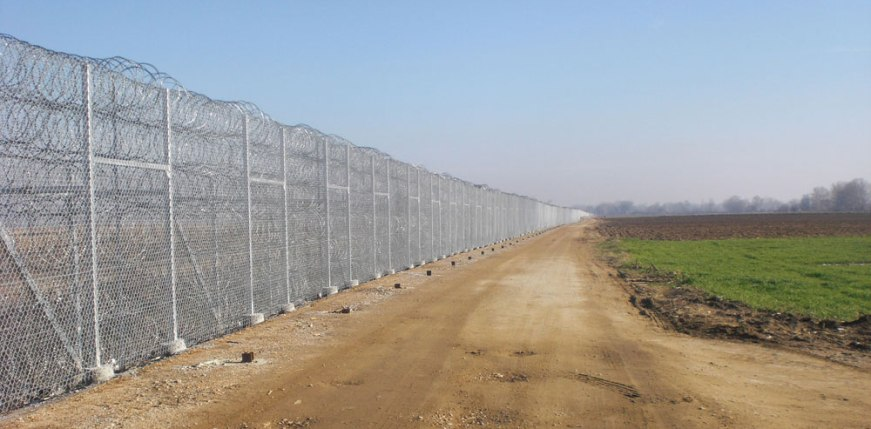 Toskas: It's not possible to tear down the fence in Evros
