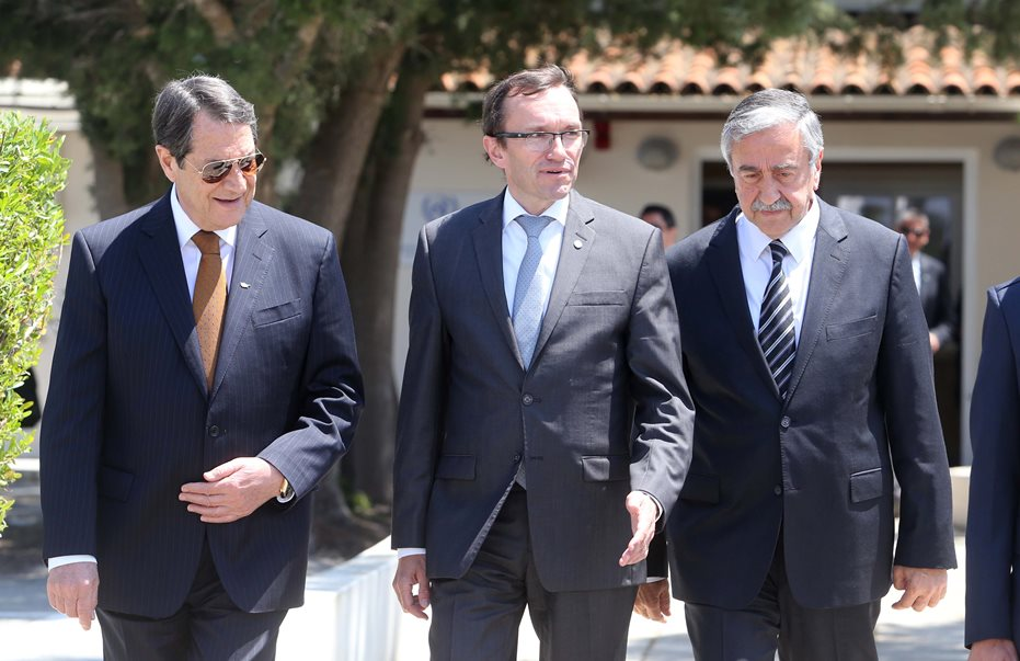 Anastasiades and Akinci begin intensified talks on the Cyprus problem