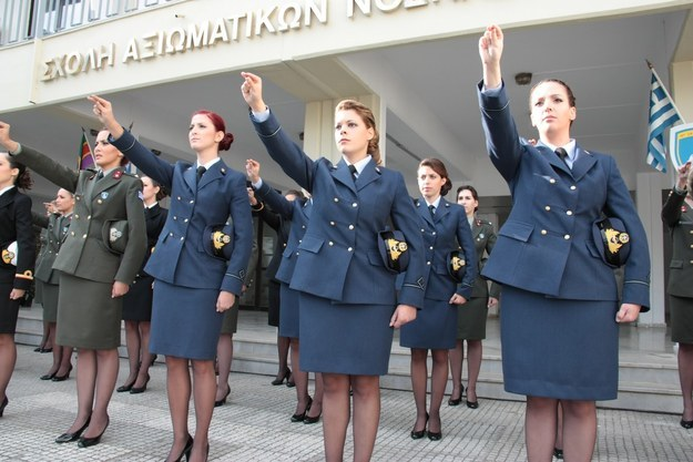 Women: join the army if you want to be hired in the police or the coast guard