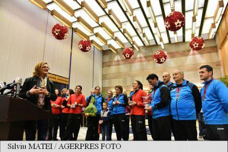 Warm welcome for Romania's golden girls and their bronze medals