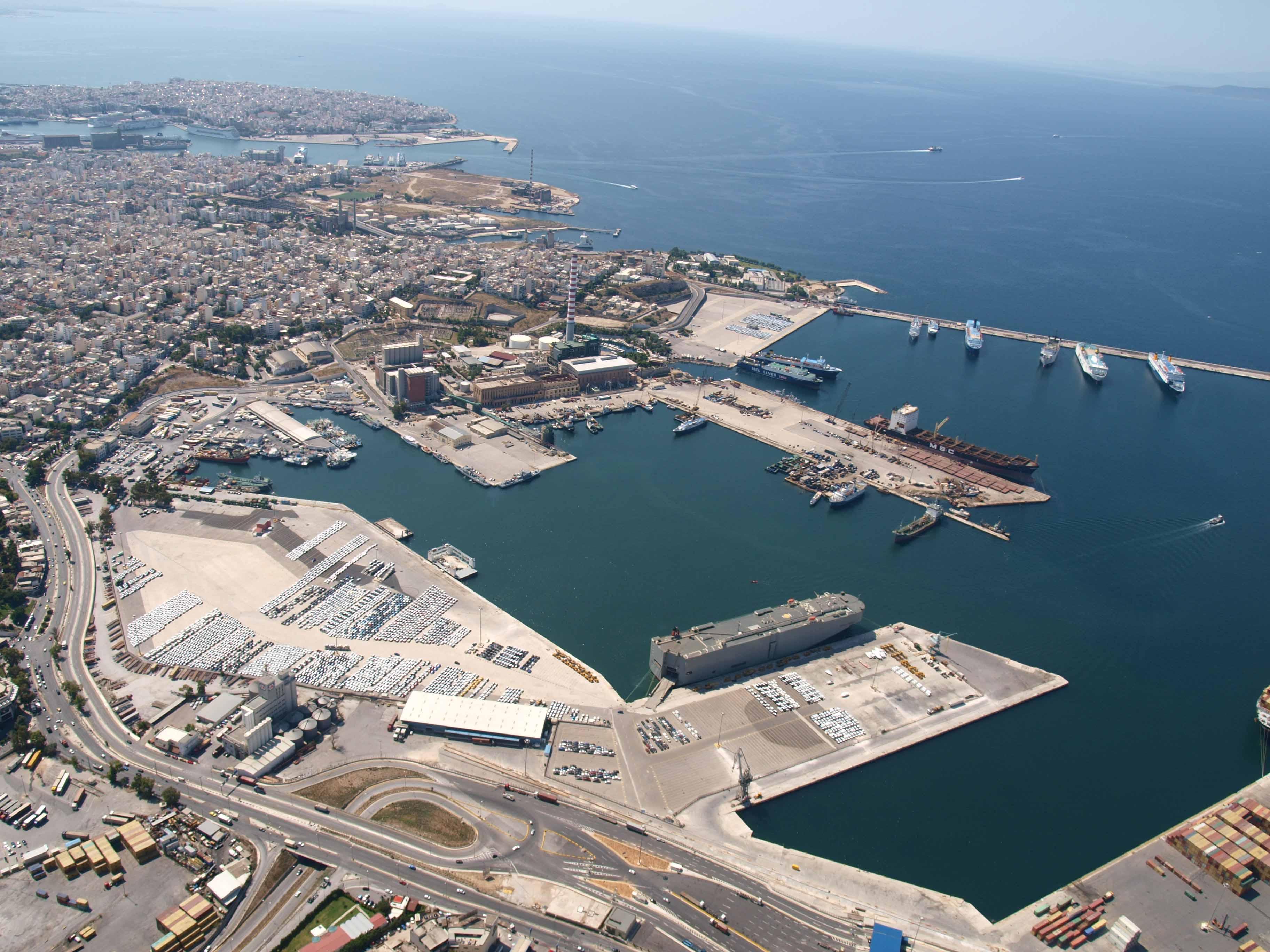 Final bid for the port of Piraeus