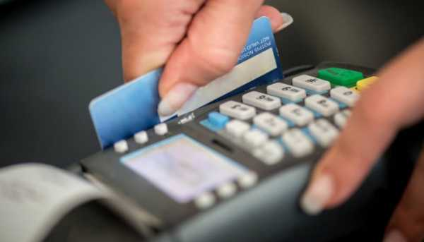 """Spending 80% on cards and not cash, """"gives"""" you 2100 euros"""
