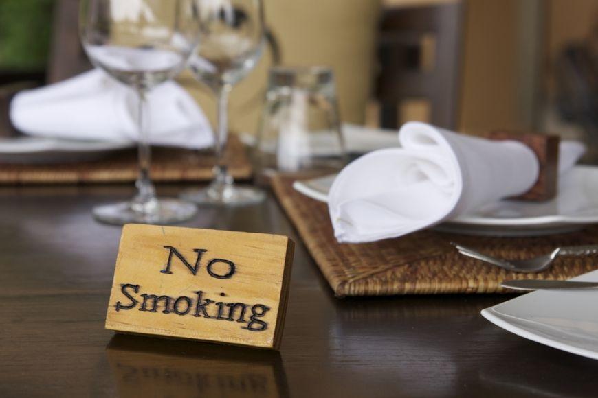 Romania bans indoor smoking