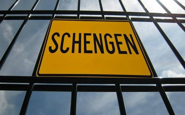 «The Economist explains: Why Greece was almost kicked out of Schengen»