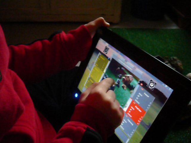 Survey indicates alarming rate of teenagers using multimedia devices for long hours