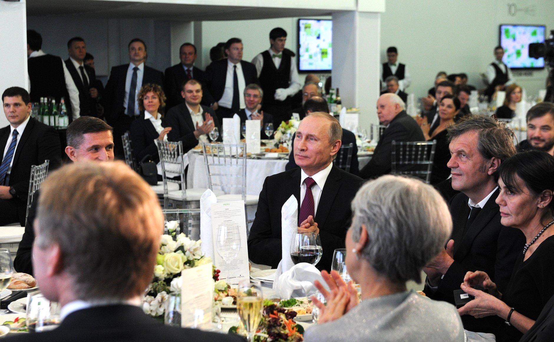 Kusturica with Putin at Russia Today celebration