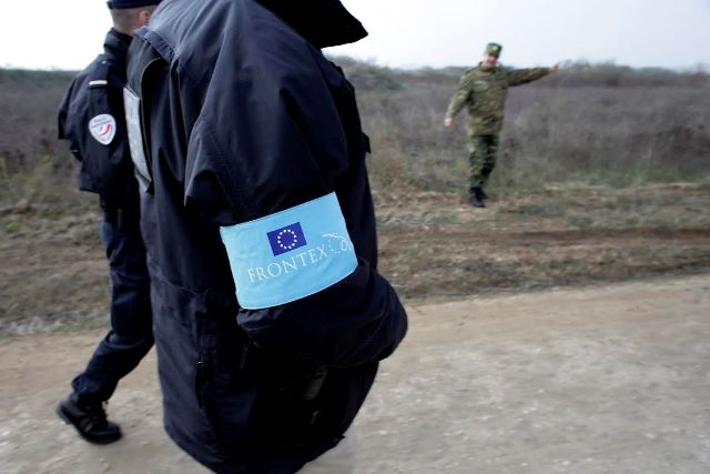 FRONTEX on the border between FYROM and Greece