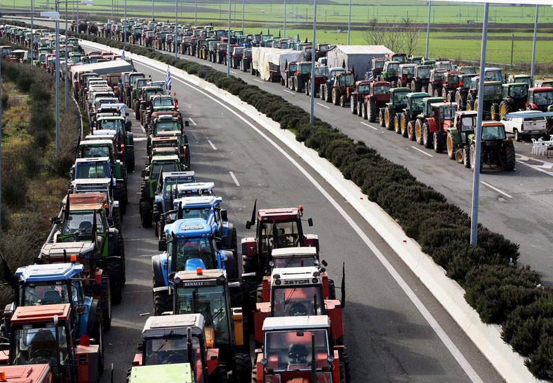 Greek farmers escalate their mobilisations