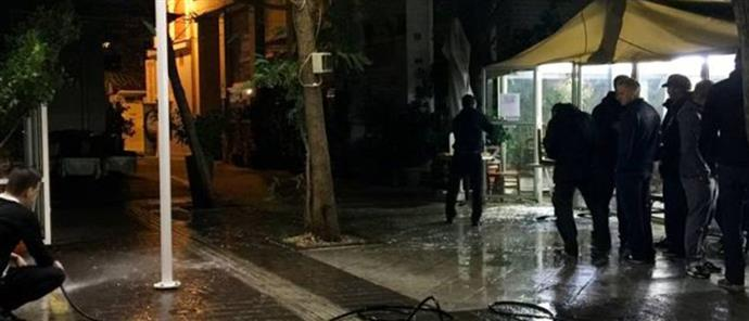 Germans invited by Greek fascists beaten up in a restaurant