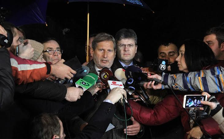 Negotiations in Skopje fail, Hahn:The country is in a very bad situation