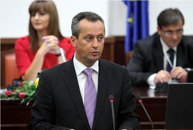 Parliamentary speaker Veljanovski accepts Gruevski's resignation
