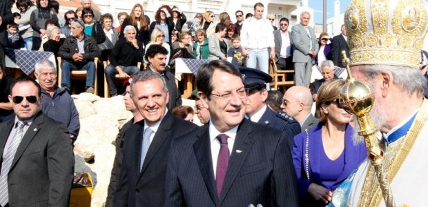 Anastasiades: I hope that 2016 is the last year we celebrate Epiphany away from our homes