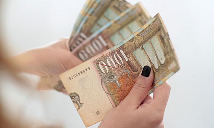 Net salary in FYROM is around 380 euros