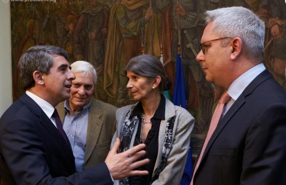 Bulgarian President Plevneliev pledges to 'send communism to the museum'