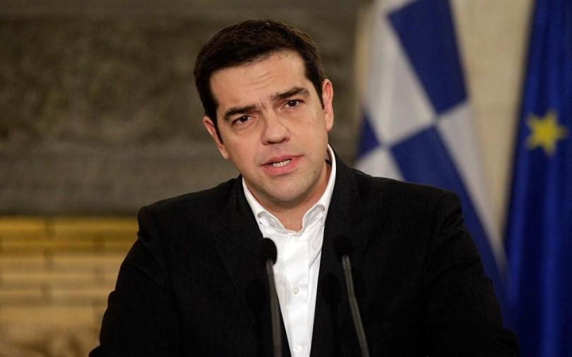 Tsipras calls political party leaders' meeting to discuss refugee crisis