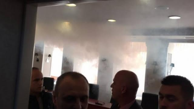 Teargas let off in the meeting of the Parliament's Steering Committee