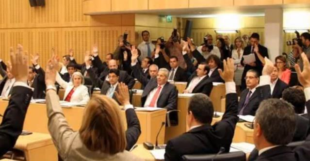 """Abstention """"wins"""" in Cyprus parliamentary elections shows poll"""
