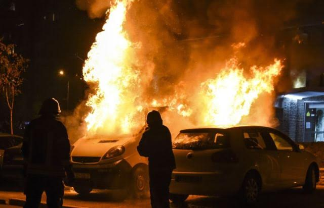The family cars of a minister and deputy minister in Kosovo get burned
