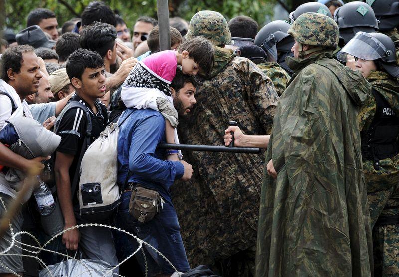Mouzalas: Talk of border closure is delirium