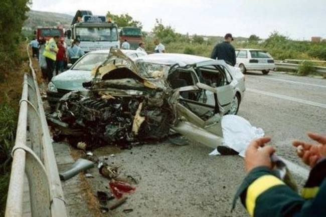 Road accidents cost Greece 1,600 lives and 12 billion euros each year: road safety campaigner
