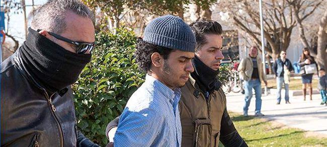 Three armed Muslims arrested: Jihadists or Kurds fighting the ISIS?