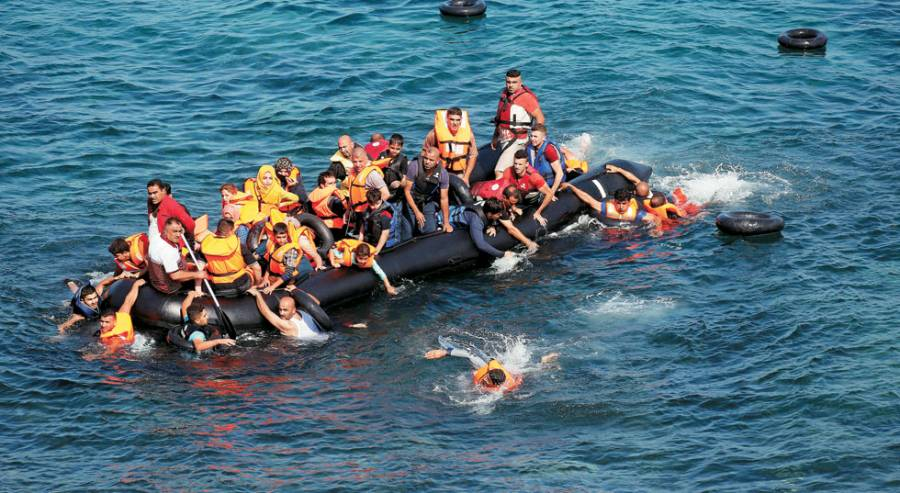 33 refugees killed in two shipwrecks in Turkey