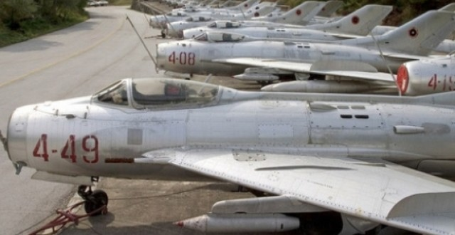Albanian Ministry of Defence puts out for sale military aircrafts and helicopters