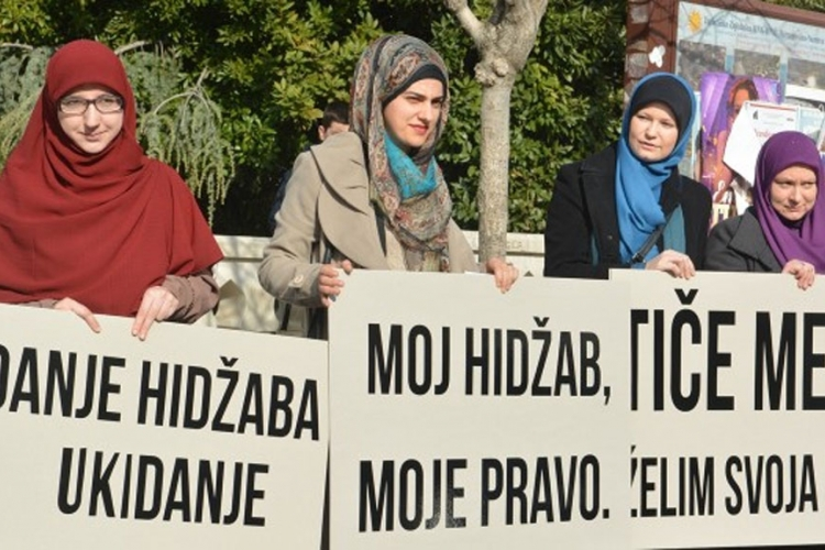 World Day of hijab marked in BiH