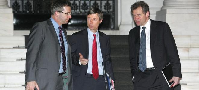 Greece, quadriga begin talks on first bailout review