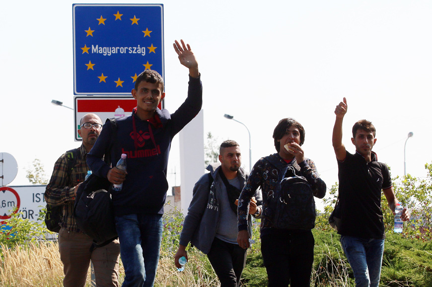 Just 900 from the 160,000 refugees in Greece and Italy were resettled in other Member States