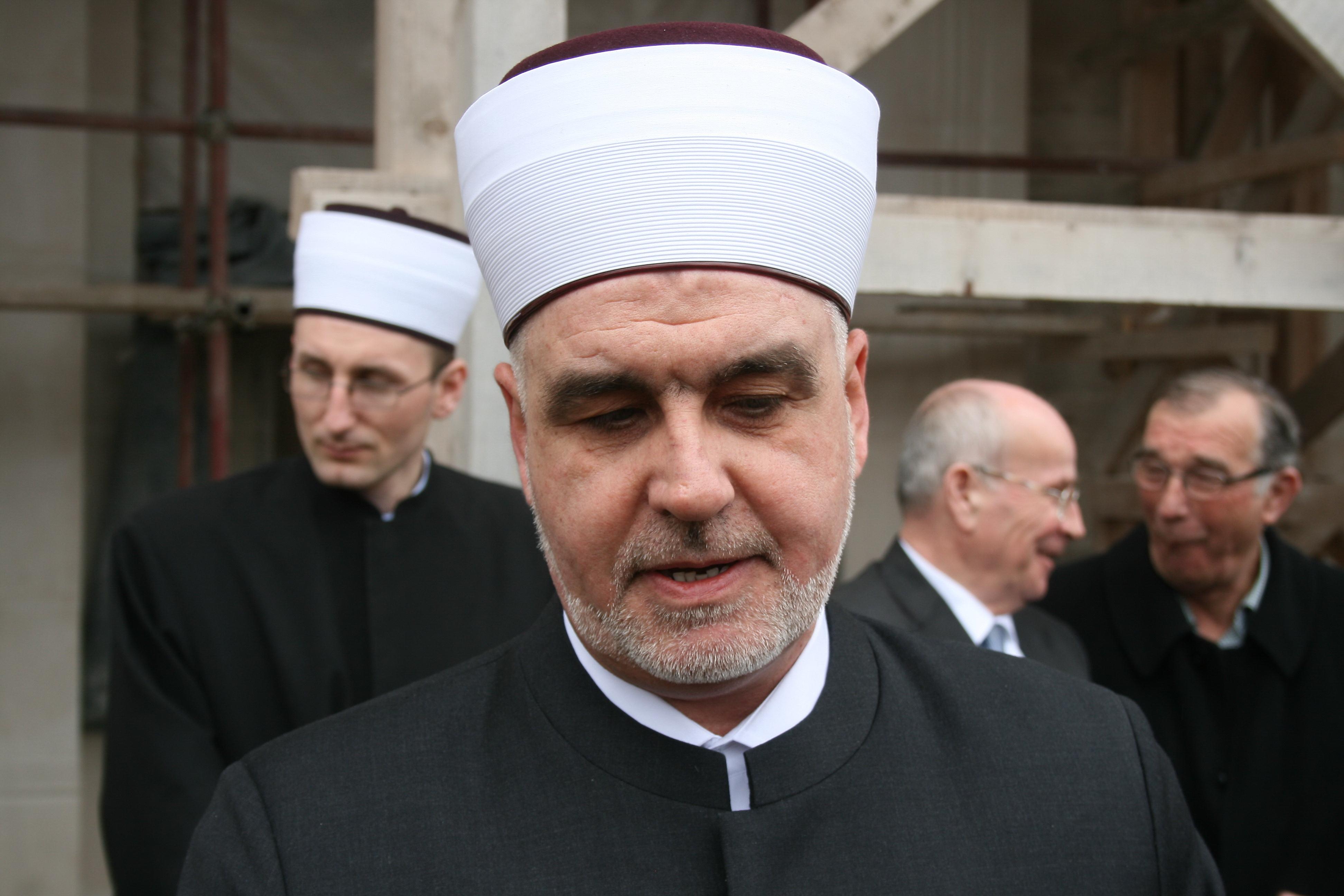 Illegal jamaats in BiH must be closed