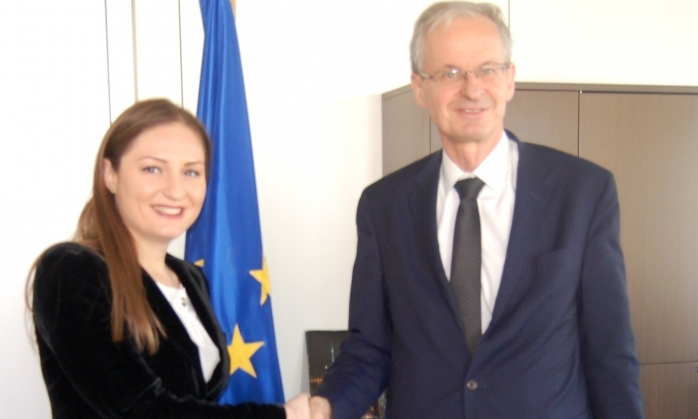 Albanian government makes efforts to launch EU negotiations