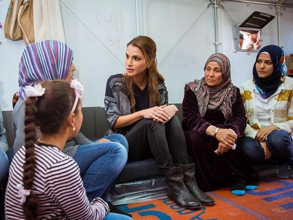 Mytilene: Queen Rania sends message of compassion