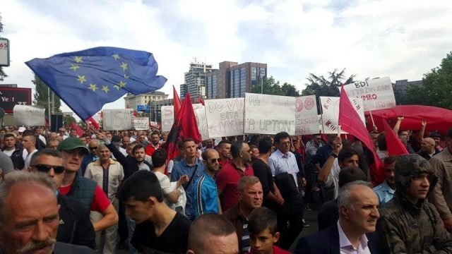 """Protest of Albanians in Skopje: """"Stop to injustices"""""""