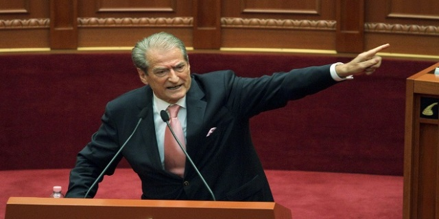 Calls to the arms in the Albanian parliament?