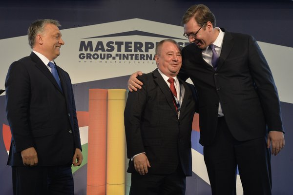 Orban praises Vucic in the midst of election campaign