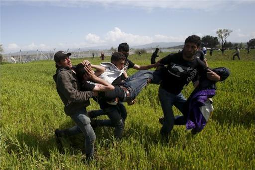 Violent episodes in Idomeni between refugees and FYROM police