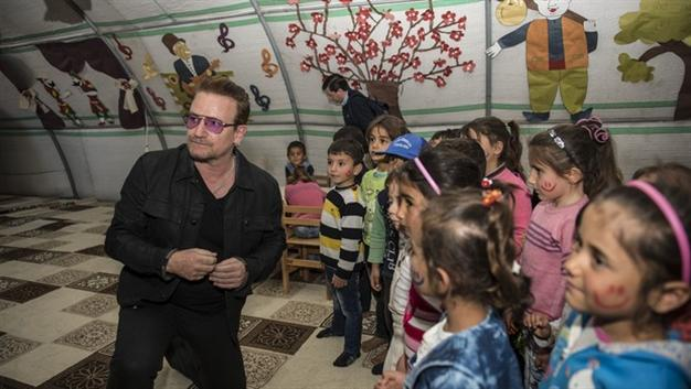 Bono: Turkey's stance on refugees crisis is a lesson for the world