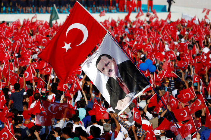 """Op/Ed – Does the celebration of the """"Fall"""" signal the end of Kemalism?"""