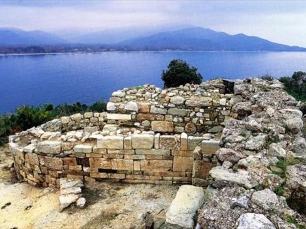 Excavations reveal the tomb of Aristotle